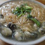 【台北市萬華区】陳記腸蚵專業麵線 とろみがスープにたっぷり牡蠣が入ったの蚵仔麵線を味わう