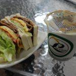 屏東市 古糧碳烤三明治 人気の朝ごはん屋さんでいただく炭焼きサンドイッチと紅茶豆漿